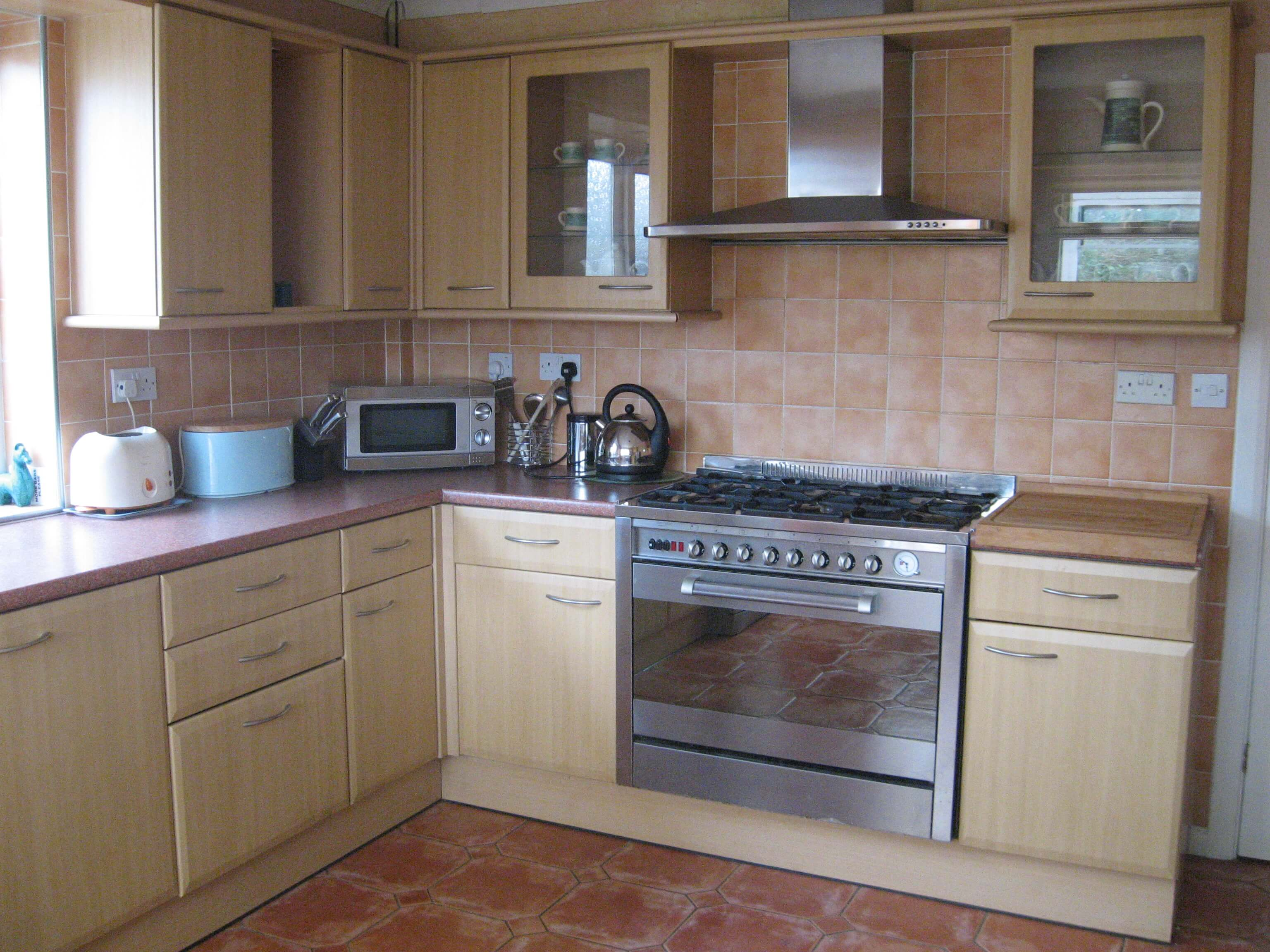 Gower Edge self catering   view of kitchen. Gower Self Catering Holidays   Take a tour of the facilities