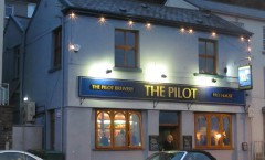 Front view of The Pilot pub in Mumbles