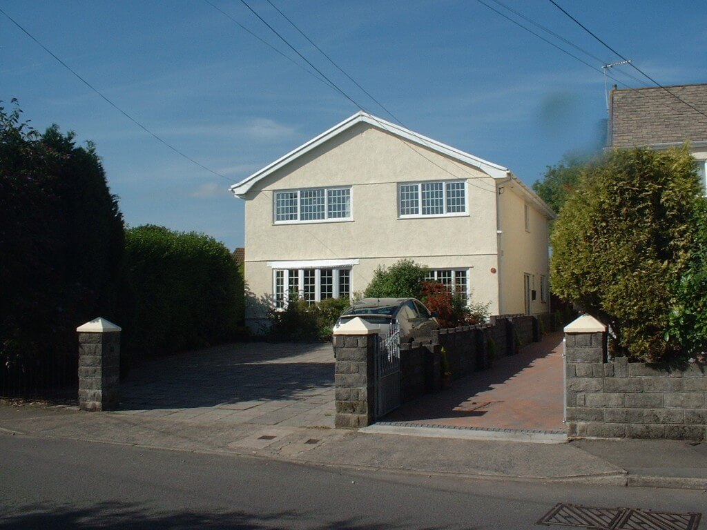 Front view of Gower Edge self catering